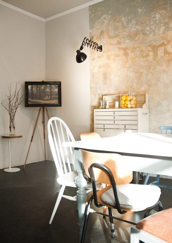 Foto Café Vilja | Staffelei | Ausstellung Dirk Hoffmann