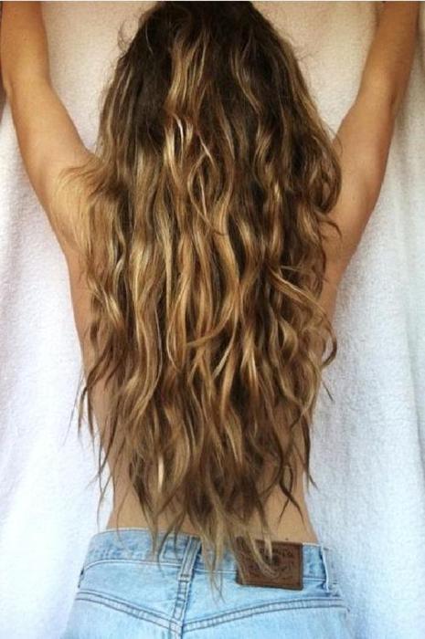 Perfect messy beach hair via pinterest.com/emmallison