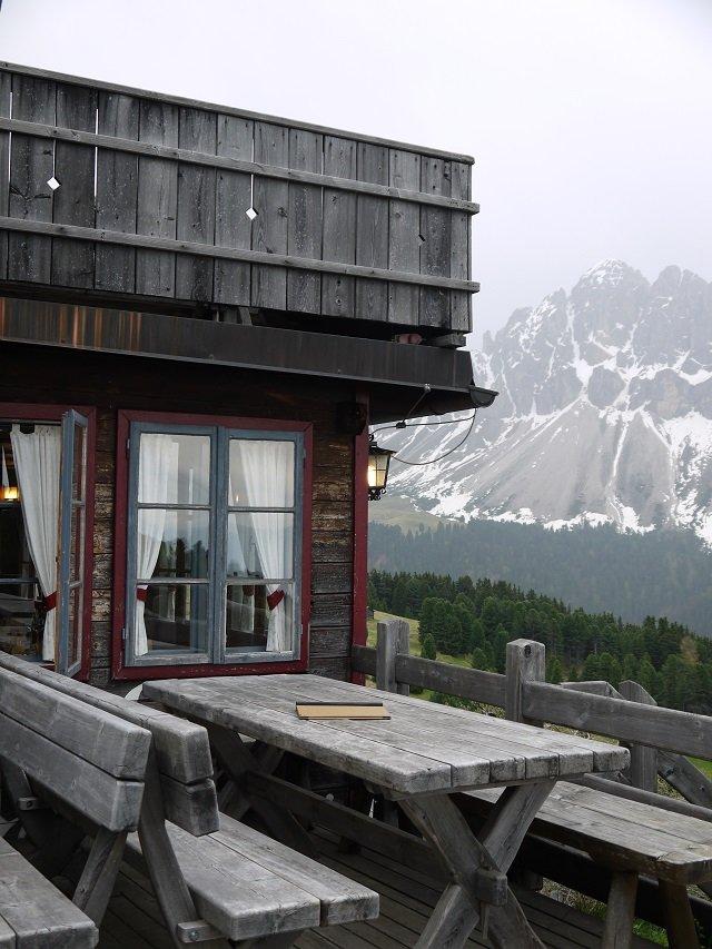 Auf der Terrasse der Schatzerhütte