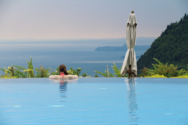 lefay_resprt_spa_pool_lisa2